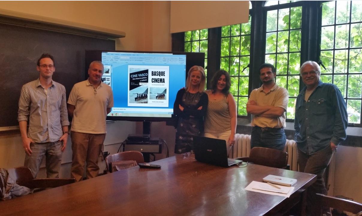Pilar rodriguez ofreci una charla dentro de la c tedra for Piso koldo mitxelena