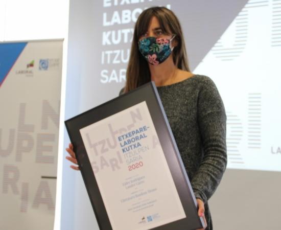 Abierta la convocatoria para el Premio de Traducción  Etxepare – LABORAL Kutxa